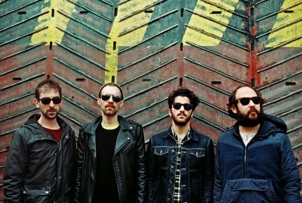 Babylon Soundgarden'da! Vokal ve gitarda Tolga Akdoğan, elektrik gitarda Emre Malikler, basgitarda Can Aydemir ve davulda Berkan Tilavel'den oluşan grup.