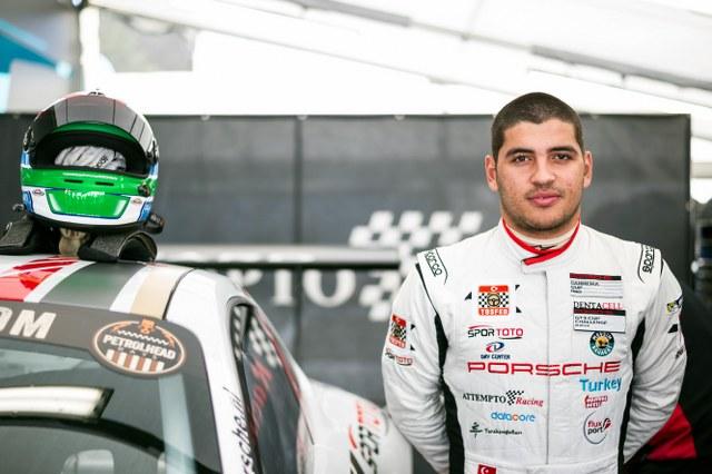 Ayhancan Güven, birbirinin eşi Porsche 911 GT3 otomobillerin mücadelesinde bir kez daha podyum hedefliyor.