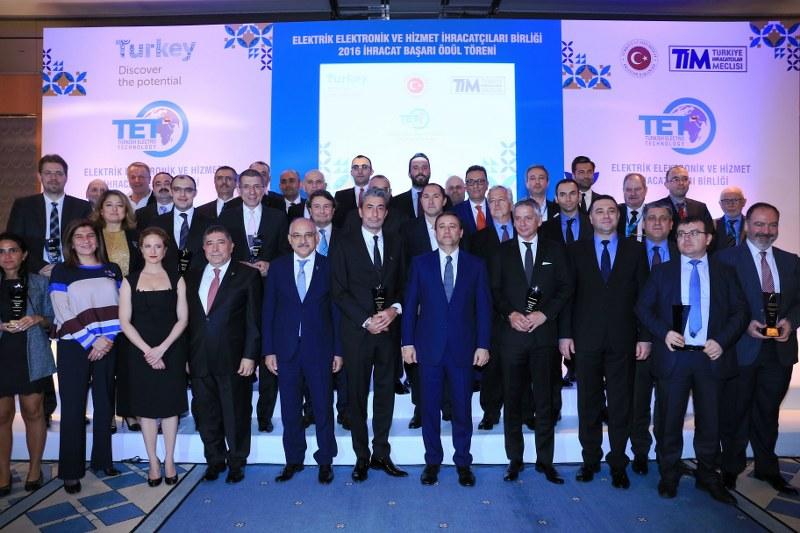 TİM Başkanı Mehmet Büyükekşi, TET Yönetim Kurulu Başkanı Dr. Fatih Kemal Ebiçlioğlu ve sektör temsilcilerinin katıldığı törende Türkiye geneli Elektrik Elektronik, Hizmet sektörü, Edebi Eser ve Televizyon Dizileri alanlarında en çok ihracatı gerçekleştiren firmalar ödüllendirildi.Elektrik Elektronik ve Hizmet İhracatçıları Birliği (TET) 2016 yılı İhracat Başarı Ödülleri