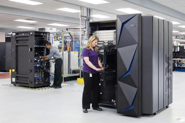 IBM Z Genel Müdürü Ross Mauri bu konuyla ilgili şunları söylüyor.