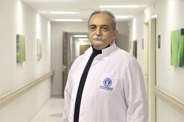 Prof. Dr. Murat İmer, doğumsal damar değişikliği, pıhtılaşmayı engelleyici ilaç kullanımı, bazı karaciğer hastalıkları, yüksek dozda alkol kullanımının da söz konusu komplikasyona yol açtığını belirtti.