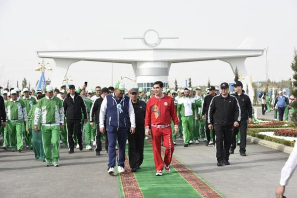 """Polimeks Yönetim Kurulu Başkanı Erol Tabanca, """"Eylül 2016'dahizmete giren Aşkabat Uluslararası Havalimanı'nın tamamlanmasını takiben Olimpiyat Kompleksi'nin teslimi için gün sayıyoruz."""